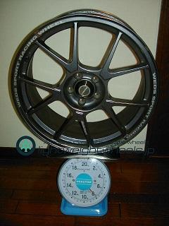 WEDS TC-005 18inch 7.5Joffset+48mmPCD100mm-5H重量計測画像