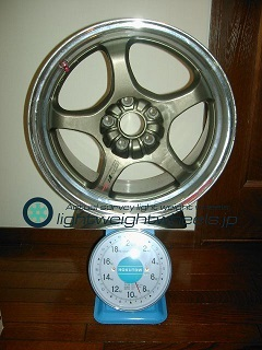 Racing hart cp-f tune R 17inch 8J offset+34mm pcd114.3mm-5h重量計測画像