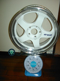 WORK meister s1 17inch 7J offset+42mm PCD114.3-5H重量測定画像