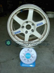 RAYS VOLKRacing TE37 16inch 7J offset+42mm PCD114.3mm-5H重量計測画像