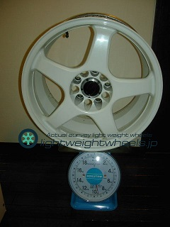 ENKEI Racing LINE RE-5 17inch 9J offset+35mm PCD114.3mm-5h重量計測画像