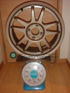 DUNLOP DIREZZA RZF 16inch 7J offset+48mm PCD100mm-4H 重量計測画像