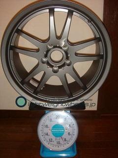 DUNLOP DIREZZA RZF 18inch 8.5J offset+33mm PCD114.3mm-5H 重量計測画像