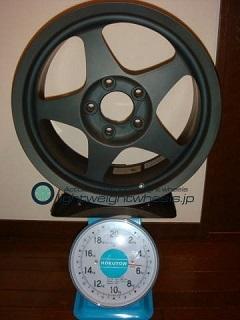 SPOON SW388 16inch 7J offset+45mm PCD114.3mm-5H 重量計測画像