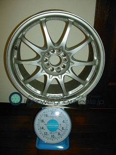 RAYS VOLK Racing CE28N 17inch 8J offset+35mm PCD98mm-5H 重量計測画像