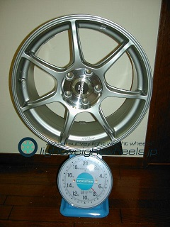 ENKEI Racing RS+m 17inch 8J offset+48mm PCD114.3mm-5H 重量計測画像その2