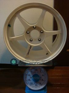 Buddy club P1 Racing QF 17inch 8J offset+45mm PCD114.3mm-5H 重量計測画像