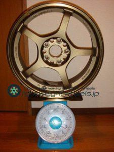 RAYS Gramlights 57F 17inch 7.5J offset+40mm PCD114.3mm-5H 重量計測画像