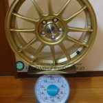 OZ SUPER LEGGERA 17inch 7J offset+48mm PCD100mm-5H 重量計測画像その2