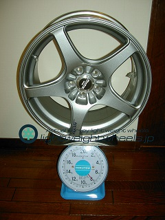 ENKEI Racing RP03 17inch 8J offset+48mm PCD100mm-5H 重量計測画像