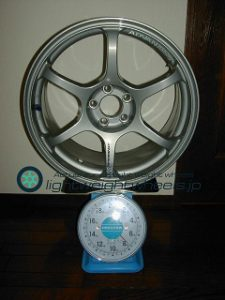 YOKOHAMA ADVAN Racing RGⅡ 17inch 8J offset+45mm PCD100mm-5H 重量計測画像