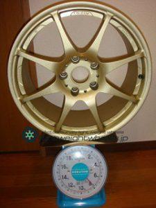 IJAK(TWS)ACHTEC RF42 17inch 8J offset+43mm PCD114.3mm-5H重量計測画像