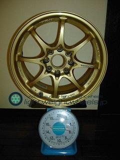 RAYS VOLK Racing CE28N 16inch 7J offset+48mm pcd114.3mm-4H 重量計測画像