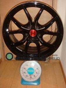 RAYS Gramlights 57FXX 18inch 9J offset+45mm PCD114.3mm-5H 重量計測画像