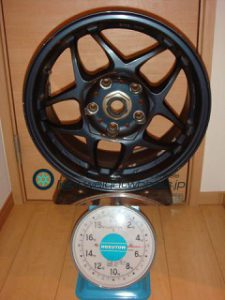 SSR Racing Firenze PRO 15inch 7J offset+43mm PCD114.3mm-5H 重量計測画像