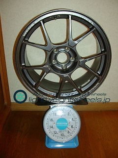 WEDS SPORT TC-005 17inch 8J offset+32mm PCD100mm-5H 重量計測画像