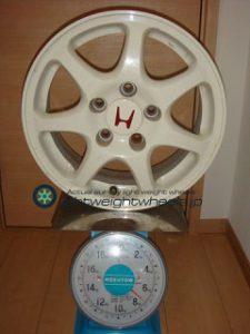 ホンダ シビック タイプR(EK9型)純正 15inch 6J offset+50mm PCD114.3mm-5H重量計測画像