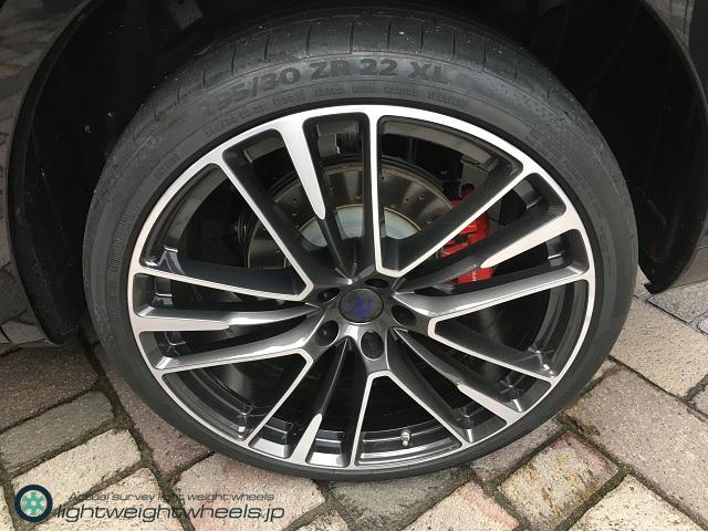 Maserati Levante 後輪