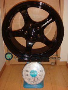 WEDS SPORT RN-05M 18inch 8.5J offset+45mm PCD114.3mm-5H重量計測画像