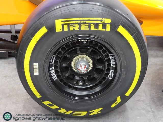東京モーターショー2019展示車両 McLaren MP4-30の前輪