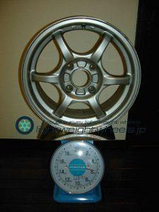 TRAMPIO M-1 15inch 6.5J offset+45mm PCD114.3mm-4H 重量計測画像