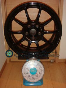 RAYS VOLK Racing ZE40 17inch 8J offset+38mm PCD114.3mm-5H重量計測画像