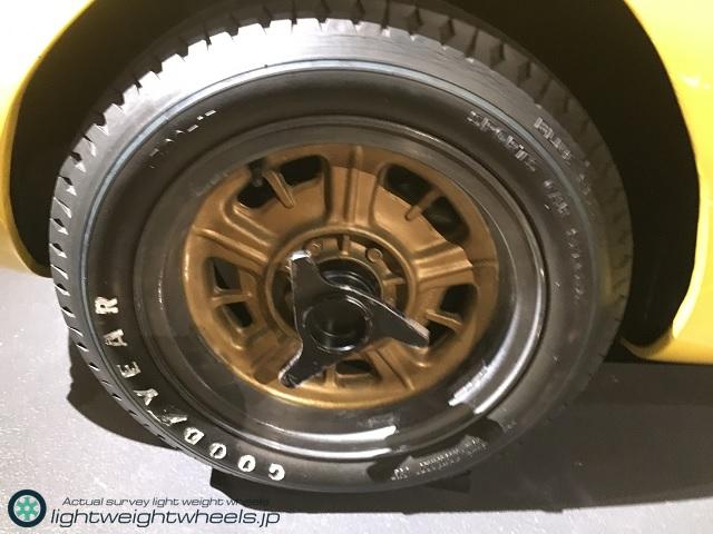 トヨタ2000GT(MF10型)スピードトライアル レプリカ車両前輪