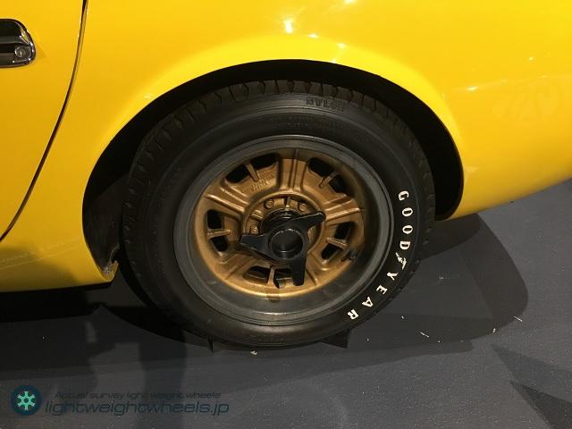 トヨタ2000GT(MF10型)スピードトライアル レプリカ車両後輪