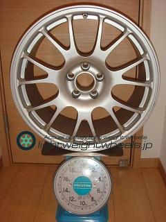 NEEZ EURO CROSS RG16ER 17inch 8J offset+33mm PCD100mm-5H 重量計測画像