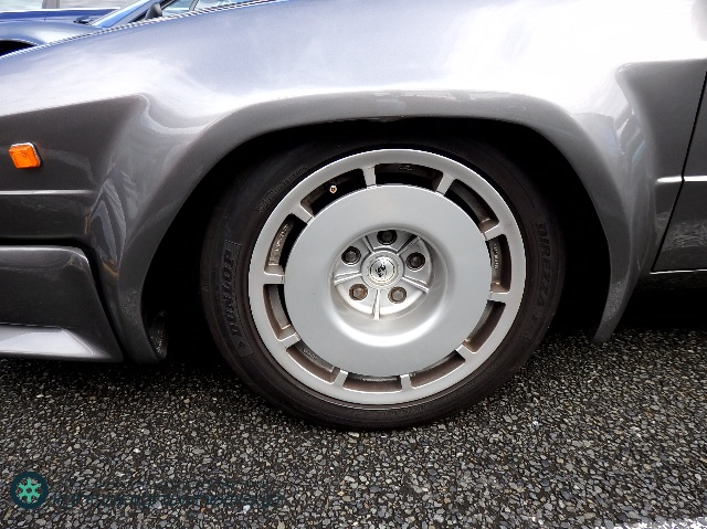 Lamborghini Jalpa front wheel