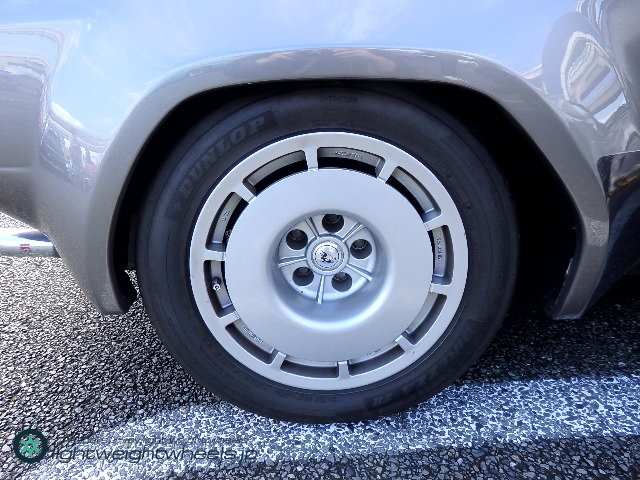 Lamborghini Jalpa rear wheel