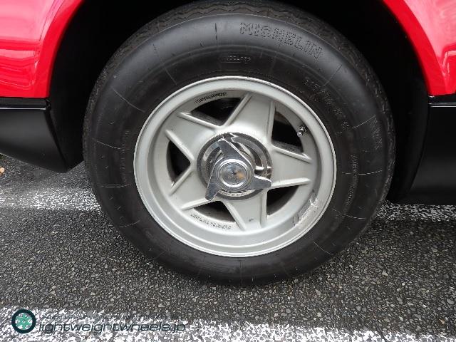 Ferrari 365GT4BB 後輪