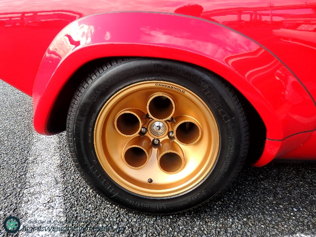 rear wheel of Lamborghini countach 5000 quattrovalvole