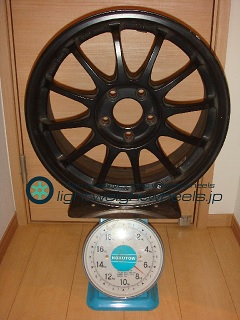 SSR TYPE F 17inch 7.5J offset+48mm PCD114.3mm-5H重量計測画像
