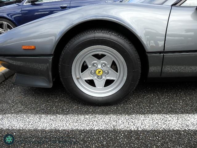 フェラーリ308GTB QV 前輪