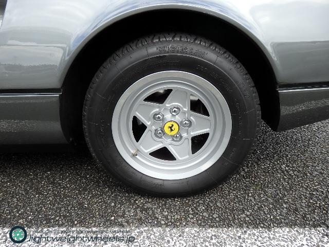 フェラーリ308GTB QV 後輪