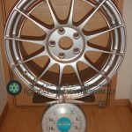 ENKEI Racing Revolution NT03RR 18inch 8J offset+45mm PCD112mm-5H 重量計測画像